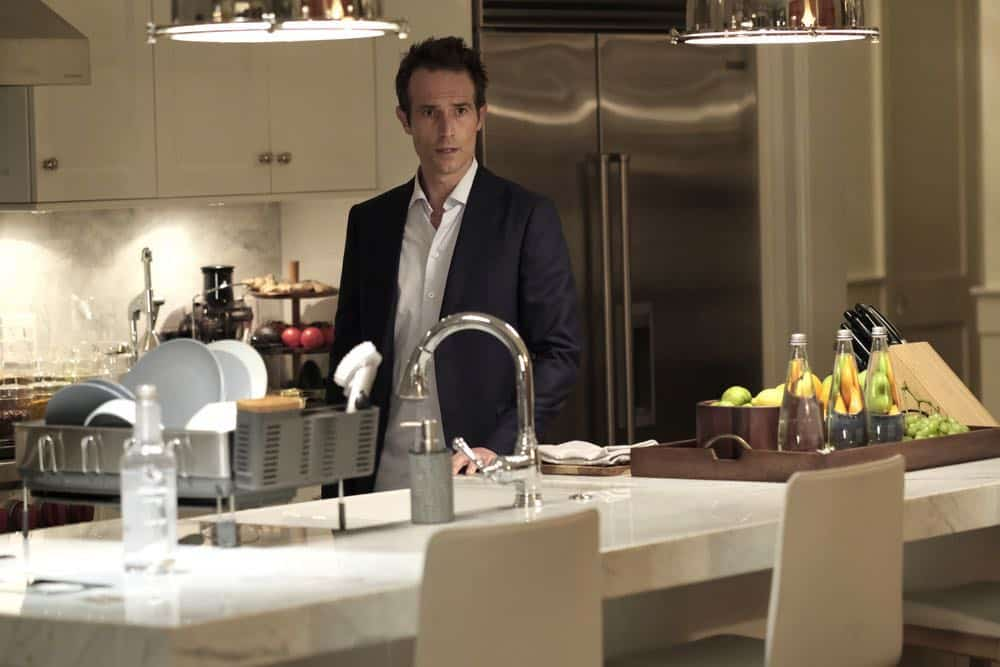 "THE ARRANGEMENT -- ""The Breakup"" Episode 206 -- Pictured: Michael Vartan as Terrence Anderson -- (Photo by: Eike Schroter/E! Entertainment)"