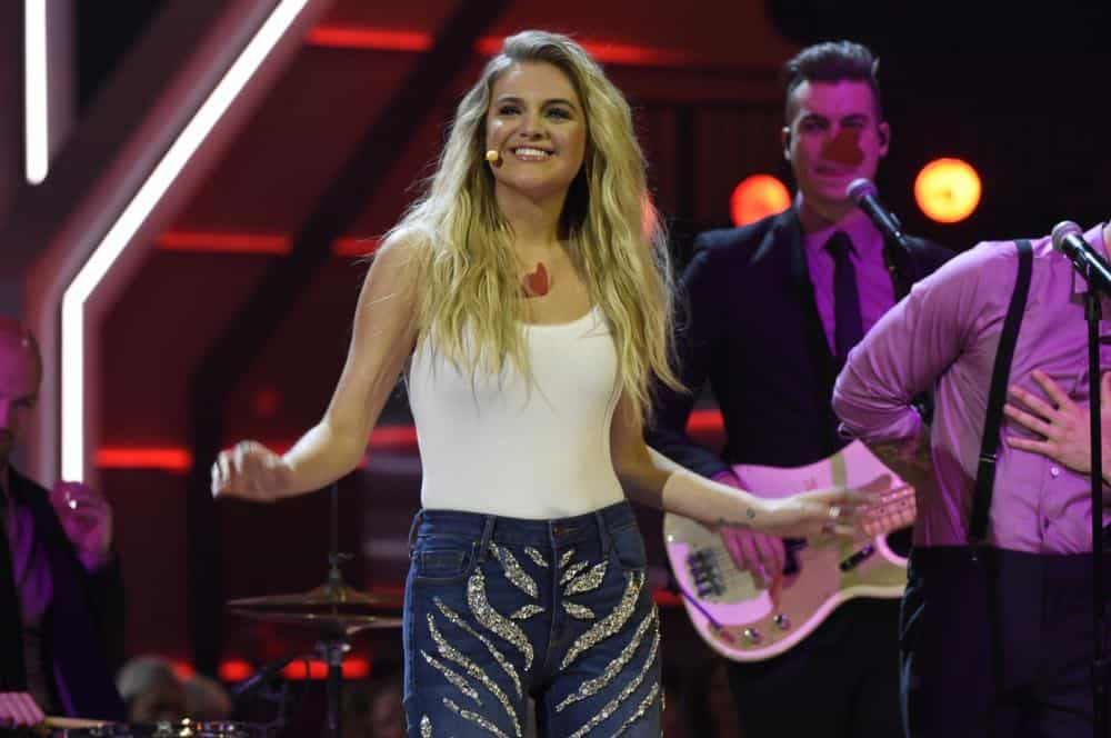 Kelsea Ballerini performs at the 53RD ACADEMY OF COUNTRY MUSIC AWARDS, live from the MGM Grand Garden Arena in Las Vegas Sunday, April 15, 2018 at 8:00 PM ET/PT on CBS.  Photo: Michele Crowe/CBS ©2018 CBS Broadcasting, Inc. All Rights Reserved