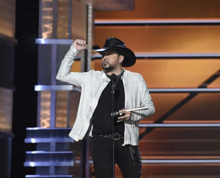 Jason Aldean accepts the award for Entertainer of the Year at the 53RD ACADEMY OF COUNTRY MUSIC AWARDS, live from the MGM Grand Garden Arena in Las Vegas Sunday, April 15, 2018 at 8:00 PM ET/PT on CBS. Photo: Michele Crowe/CBS ©2018 CBS Broadcasting, Inc. All Rights Reserved