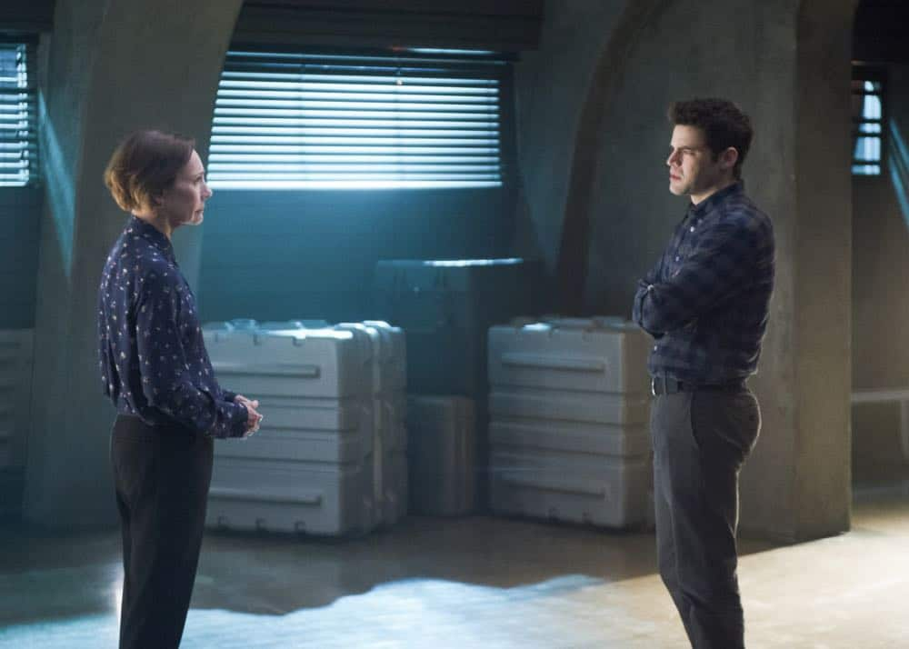 "Supergirl -- ""Schott Through the Heart"" -- Image Number: SPG314a_0286.jpg -- Pictured (L-R): Laurie Metcalf as Mary McGowan and Jeremy Jordan as Winn -- Photo: Diyah Pera/The CW -- © 2018 The CW Network, LLC. All rights reserved."