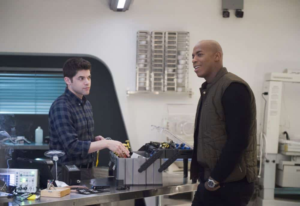 "Supergirl -- ""Schott Through the Heart"" -- Image Number: SPG314a_0103.jpg -- Pictured (L-R): Jeremy Jordan as Winn and Mehcad Brooks as James Olsen/Guardian -- Photo: Diyah Pera/The CW -- © 2018 The CW Network, LLC. All rights reserved."