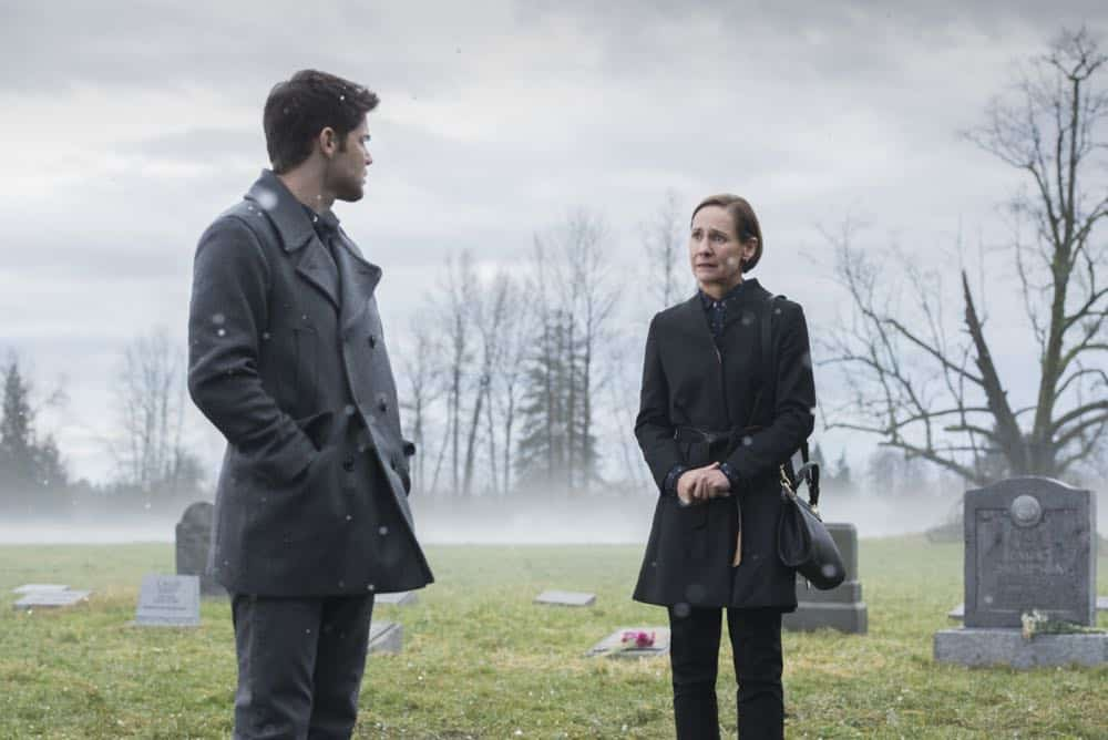 "Supergirl -- ""Schott Through the Heart"" -- Image Number: SPG314b_0182.jpg -- Pictured (L-R): Jeremy Jordan as Winn and Laurie Metcalf as Mary McGowan -- Photo: Dean Buscher/The CW -- © 2018 The CW Network, LLC. All rights reserved."