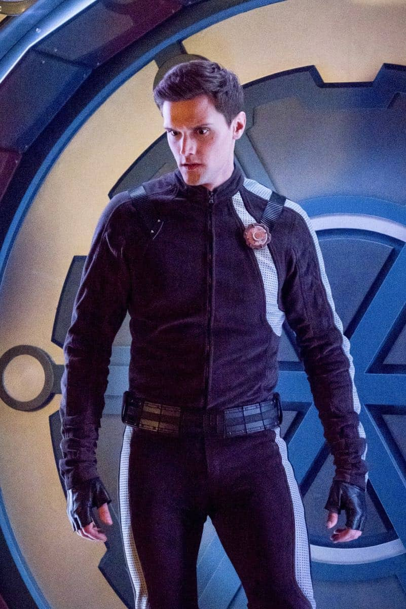 """The Flash -- """"Lose Yourself"""" -- Image Number: FLA418b_0330b.jpg -- Pictured: Hartley Sawyer as Dibney -- Photo: Katie Yu/The CW -- © 2018 The CW Network, LLC. All rights reserved"""