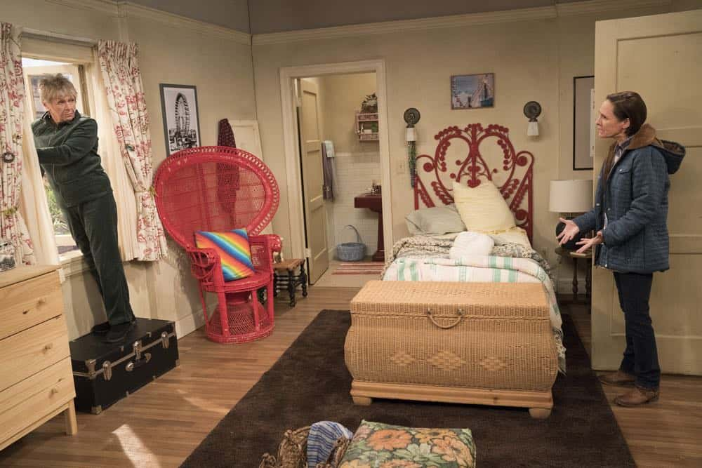 Roseanne Episode 6 Season 10 No Country for Old Women 27