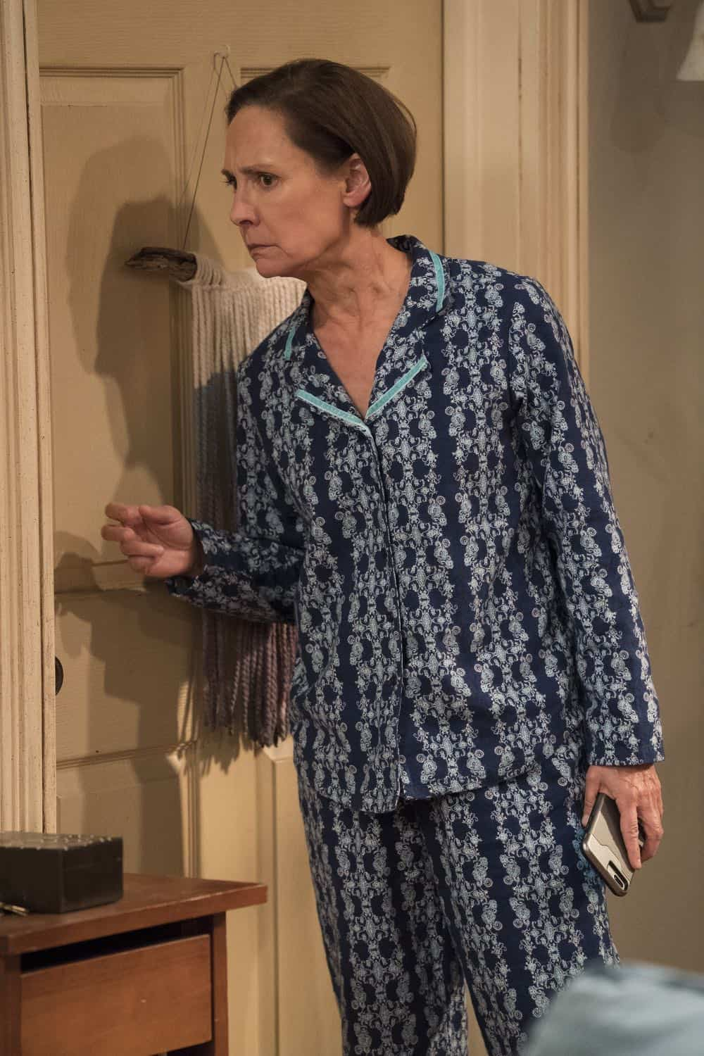 Roseanne Episode 6 Season 10 No Country for Old Women 19