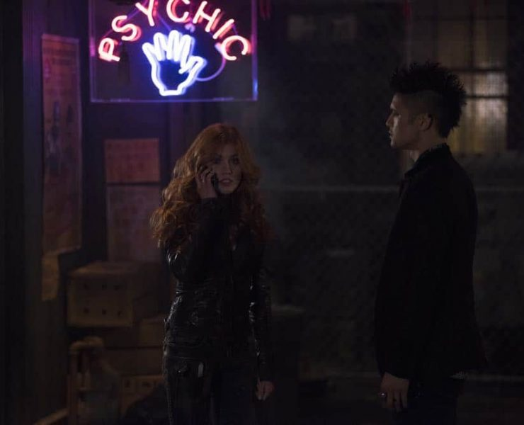 "SHADOWHUNTERS - ""A Window Into an Empty Room"" - Clary teams up with Magnus to investigate a recent demon attack. Simon is stunned with he's visited by someone he never thought he'd see again, and who now won't seem to leave. Meanwhile, Izzy worries about dinner with her family and a special guest and Luke reaches out to Maryse. This episode of ""Shadowhunters"" airs Tuesday, April 24 (8:00 - 9:00 p.m. EDT) on Freeform. (Freeform/John Medland) KATHERINE MCNAMARA, HARRY SHUM JR."