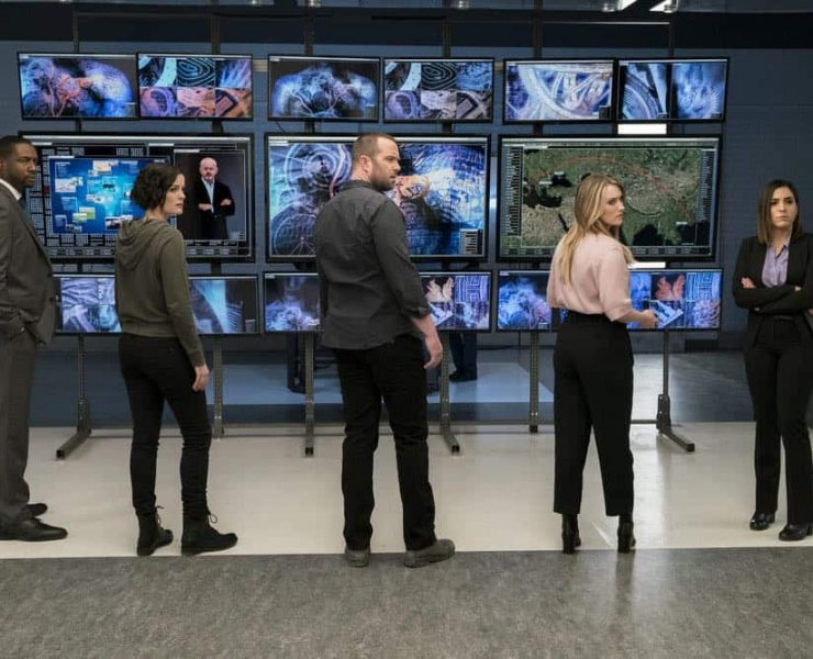 "BLINDSPOT -- ""Clamorous Night"" Episode 318 -- Pictured: (l-r) Rob Brown as Edgar Reade, Jaimie Alexander as Jane Doe, Sullivan Stapleton as Kurt Weller, Ashley Johnson as Patterson, Audrey Esparza as Tasha Zapata -- (Photo by: David Giesbrecht/NBC/Warner Bros)"