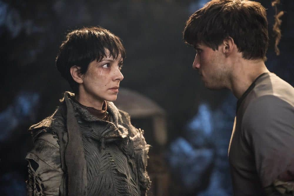 "KRYPTON -- ""House of Zod"" Episode 105 -- Pictured: (l-r) Sonita Henry as Raika, Cameron Cuffe as Seg-El -- (Photo by: Steffan Hill/Syfy)"