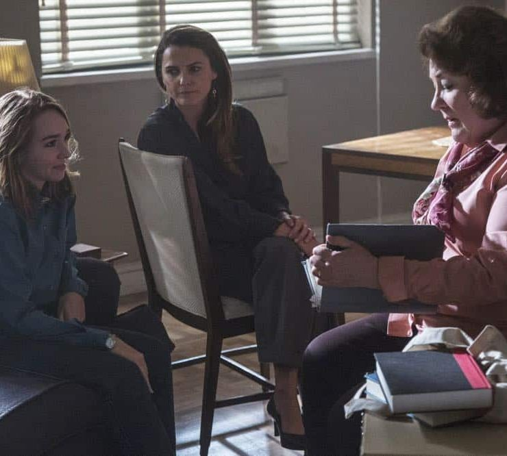 "THE AMERICANS -- ""The Great Patriotic War"" -- Season 6, Episode 5 (Airs Wednesday, April 25, 10:00 pm/ep) -- Pictured: (l-r) Holly Taylor as Paige Jennings, Keri Russell as Elizabeth Jennings, Margo Martindale as Claudia. CR: Eric Liebowitz/FX"