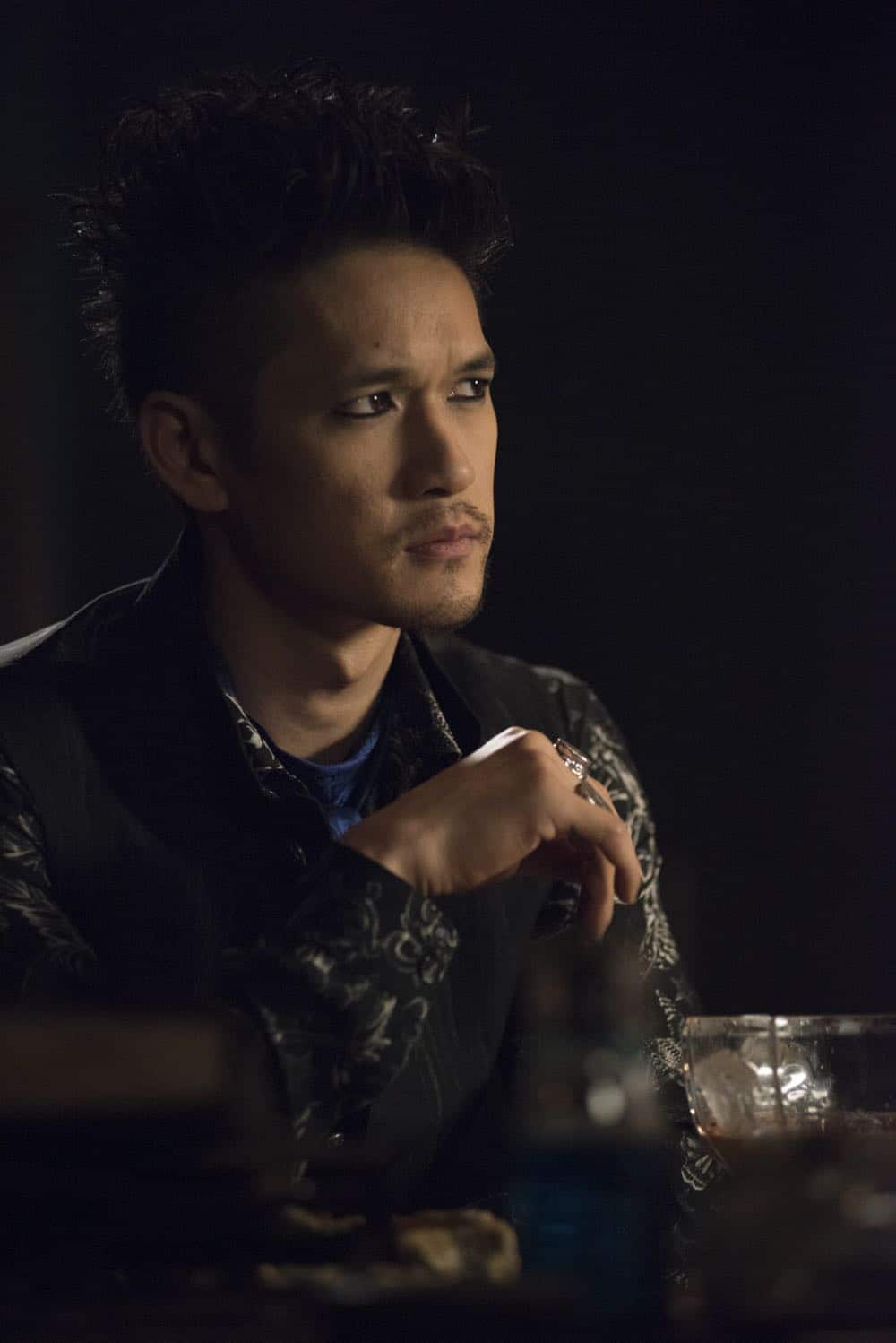 "SHADOWHUNTERS - ""Salt In The Wound"" - With the Owl's identity revealed, Alec, Isabelle, and Clary head to Alicante to try and find a way to stop him. Luke and Simon team up to track Lilith's  latest possible victim. Maia reflects on her past. This episode of ""Shadowhunters"" airs Tuesday, May 1 (8:00 - 9:00 p.m. EDT) on Freeform. (Freeform/John Medland) HARRY CHUM JR."