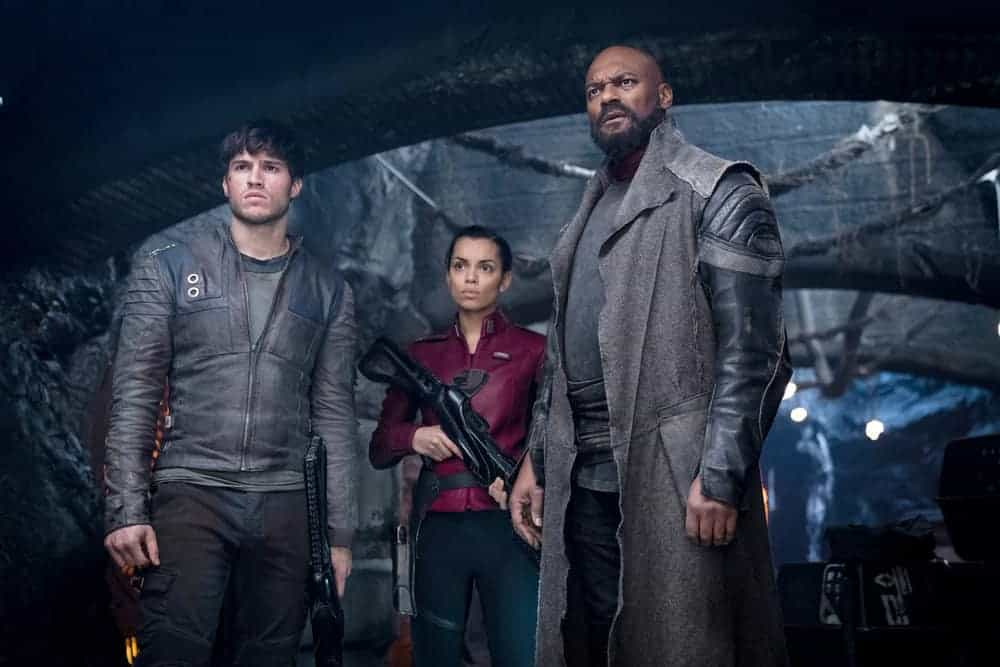 "KRYPTON -- ""Civil Wars"" Episode 106 -- Pictured: (l-r) Cameron Cuffe as Seg-El, Georgina Campbell as Lyta-Zod, Colin Salmon as Black Zero -- (Photo by: Steffan Hill/Syfy)"