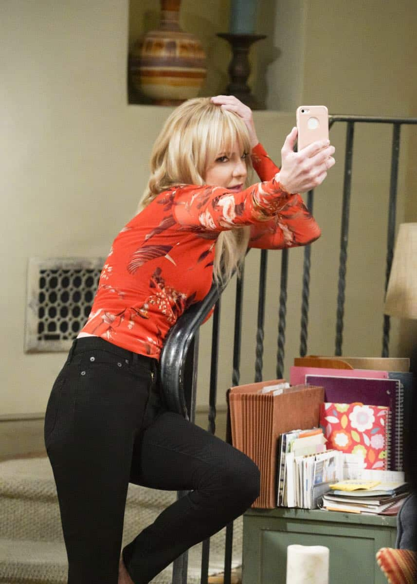 """A Taco Bowl and a Tubby Seamstress"" -- Christy is concerned that she and Bonnie might lose their apartment when Bonnie locks horns with the tough new building owner, Rita (Patti Lupone), on MOM, Thursday, April 26 (9:01-9:30 PM, ET/PT) on the CBS Television Network. Pictured: Anna Faris as Christy. Photo: Richard Cartwright/CBS ©2018 CBS Broadcasting, Inc. All Rights Reserved"