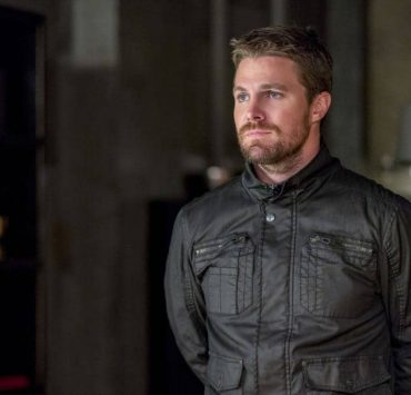 "Arrow -- ""Shifting Allegiances"" -- Image Number: AR620b_0195.jpg -- Pictured: Stephen Amell as Oliver Queen/Green Arrow -- Photo: Daniel Power/The CW -- © 2018 The CW Network, LLC. All Rights Reserved."
