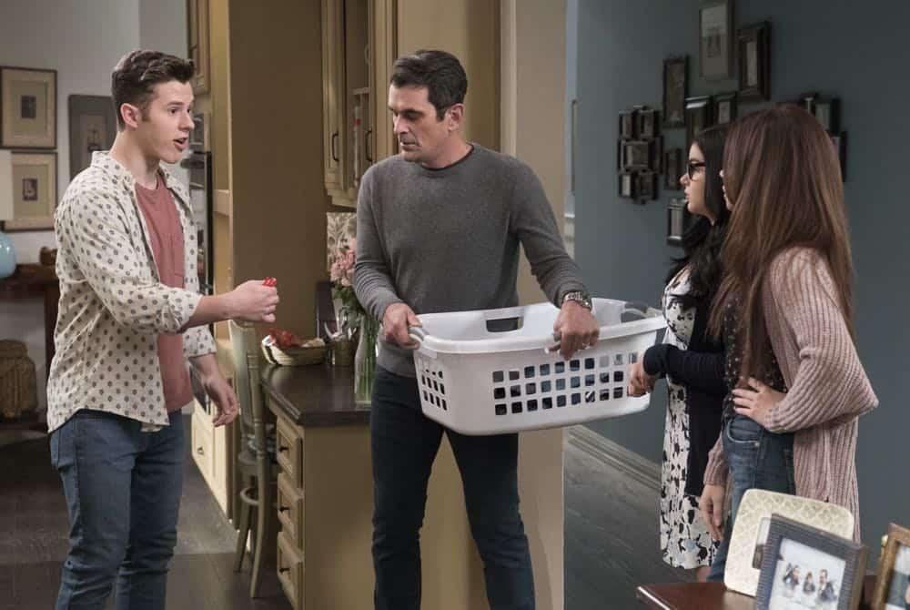 Modern Family Episode 20 Season 9 Mother 13