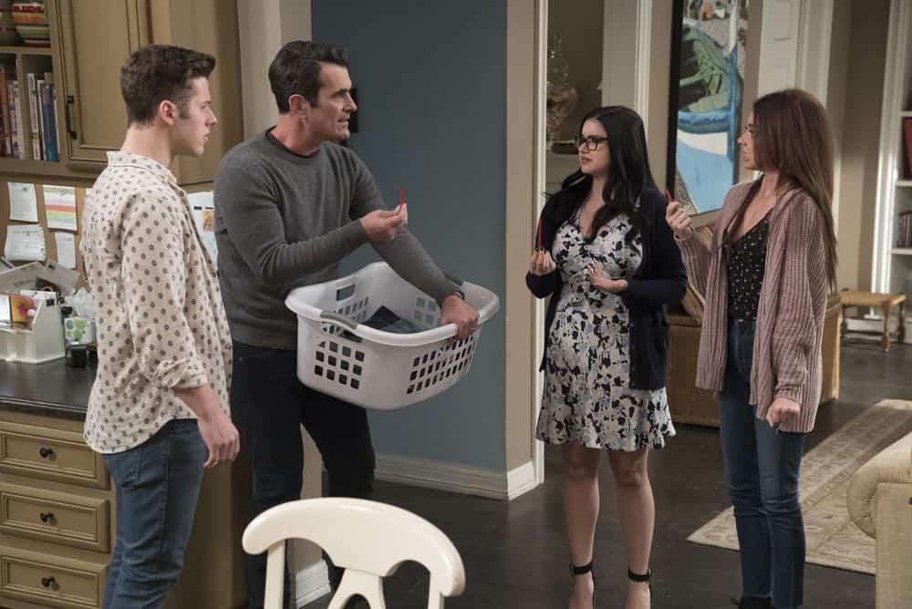 Modern Family Episode 20 Season 9 Mother 16