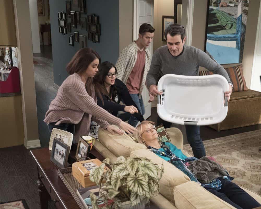 Modern Family Episode 20 Season 9 Mother 18