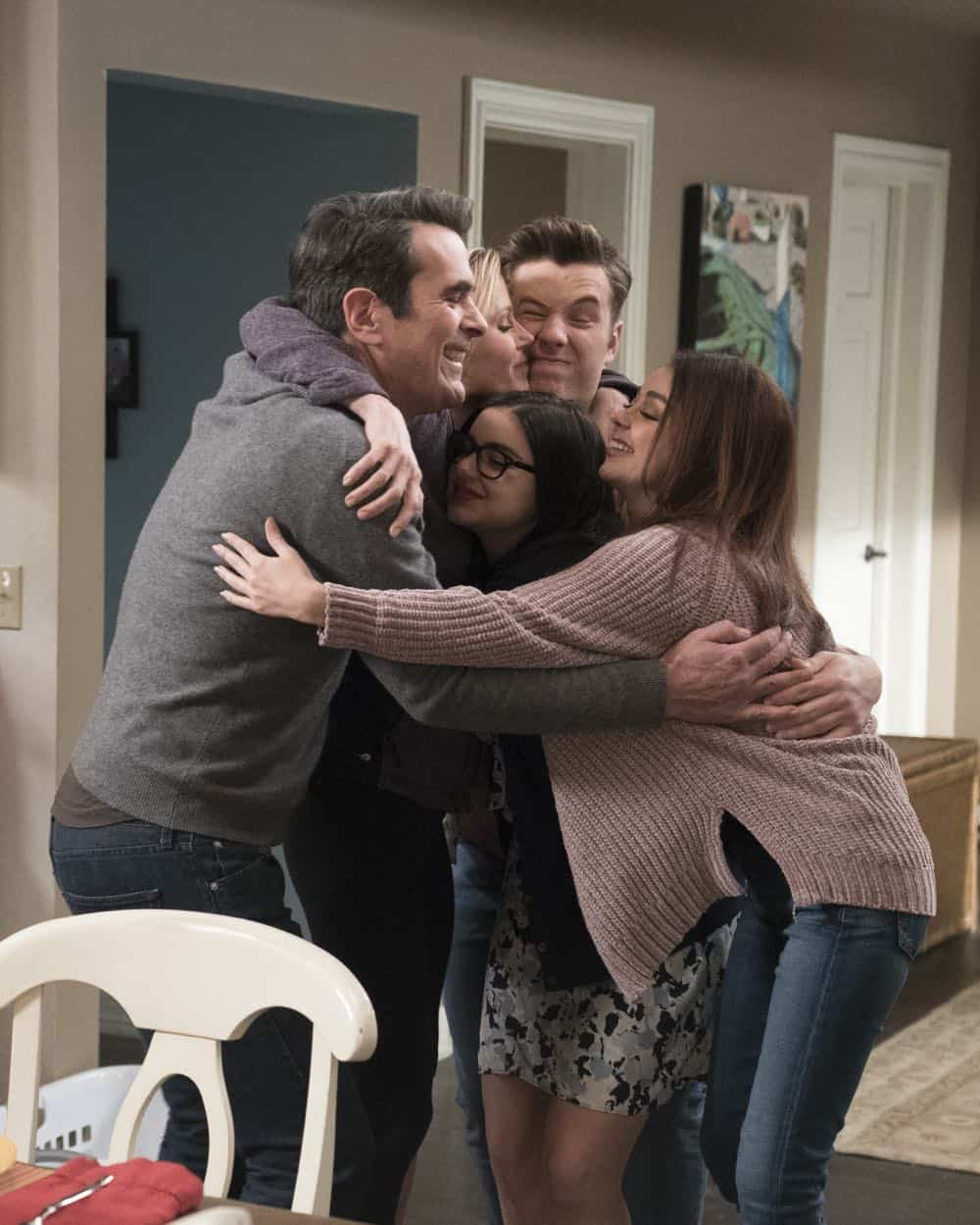 Modern Family Episode 20 Season 9 Mother 23
