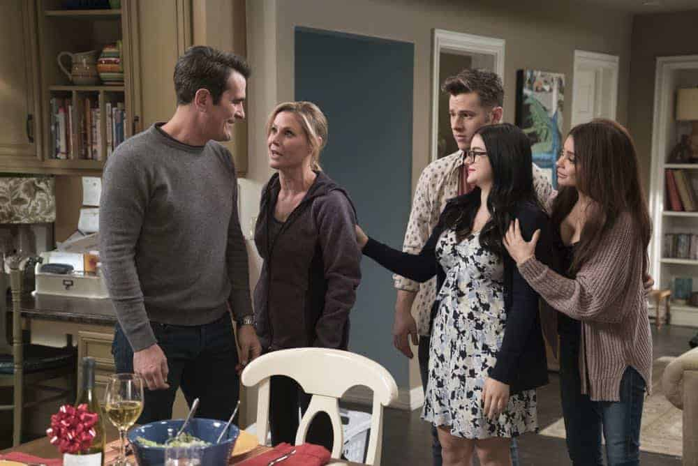 Modern Family Episode 20 Season 9 Mother 24