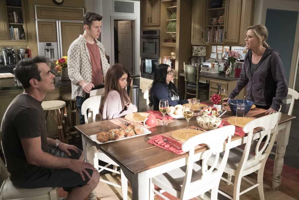 Modern Family Episode 20 Season 9 Mother 26