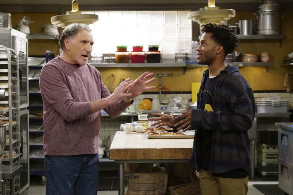 Superior Donuts Episode 19 Season 2 The ICEMen Cometh 10