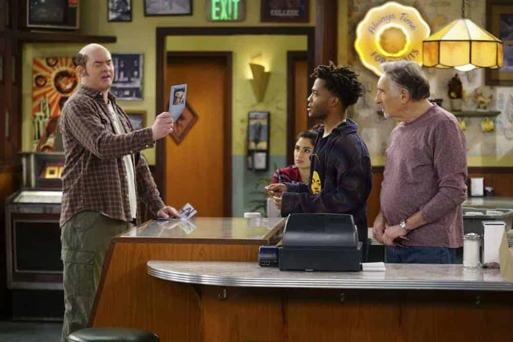 Superior Donuts Episode 19 Season 2 The ICEMen Cometh 01