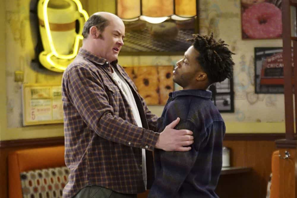 Superior Donuts Episode 19 Season 2 The ICEMen Cometh 02
