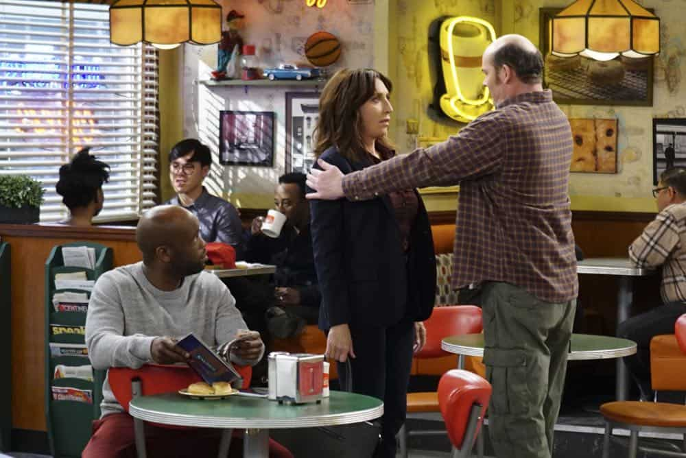 Superior Donuts Episode 19 Season 2 The ICEMen Cometh 03
