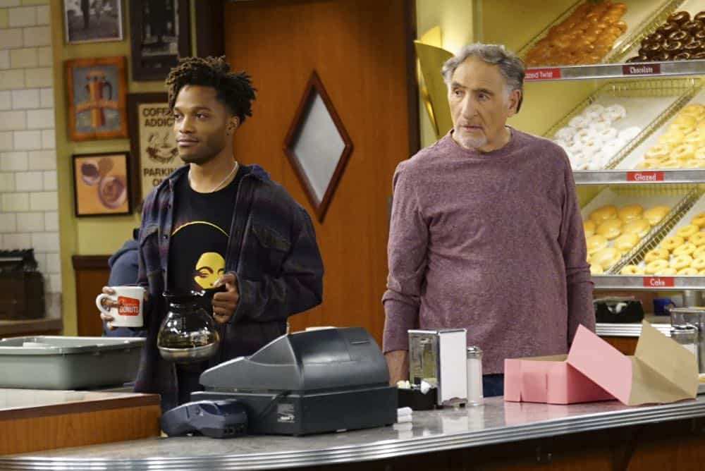 Superior Donuts Episode 19 Season 2 The ICEMen Cometh 04