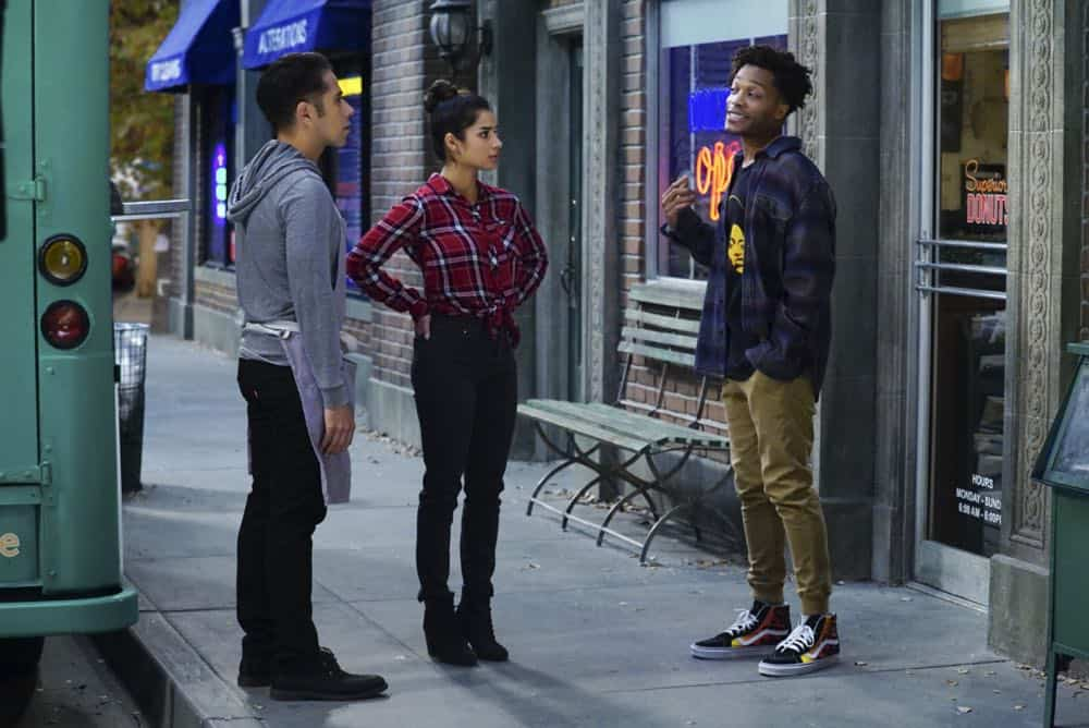 Superior Donuts Episode 19 Season 2 The ICEMen Cometh 05
