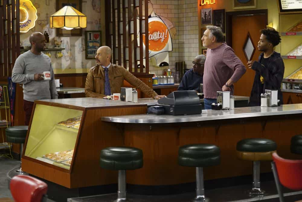 Superior Donuts Episode 19 Season 2 The ICEMen Cometh 08