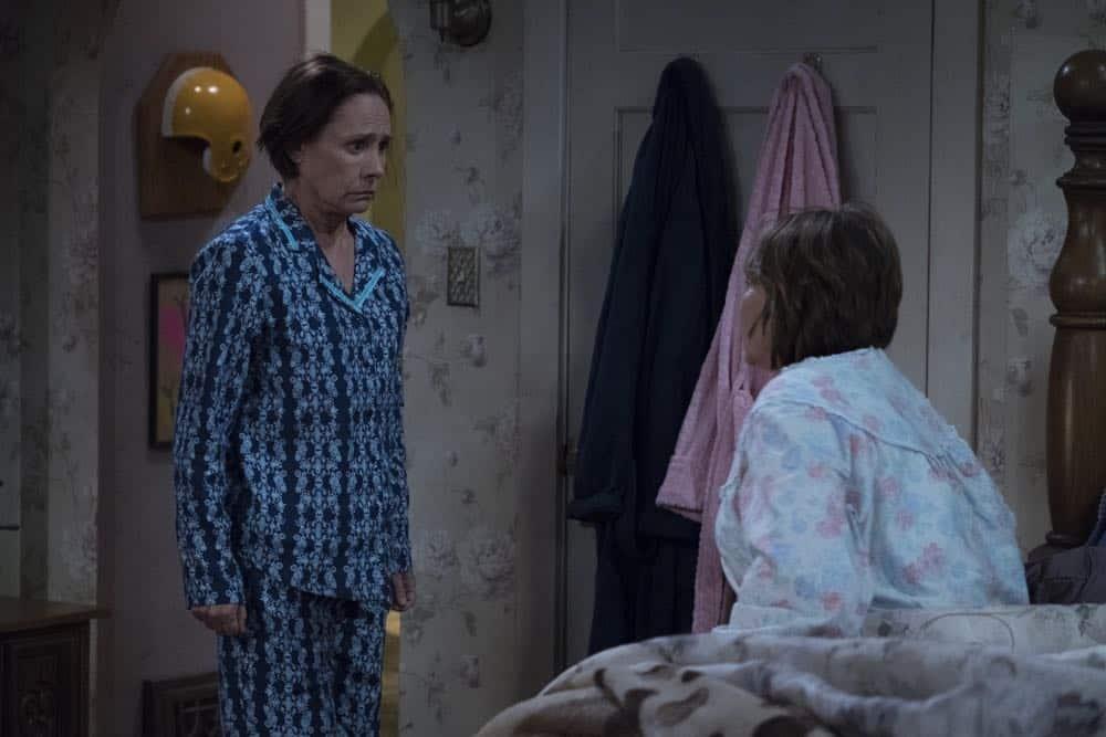 Roseanne Episode 7 Season 10 Go Cubs 15