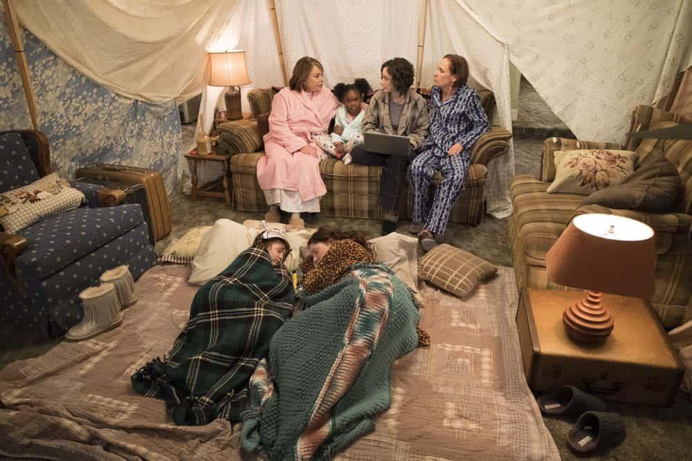 Roseanne Episode 7 Season 10 Go Cubs 16