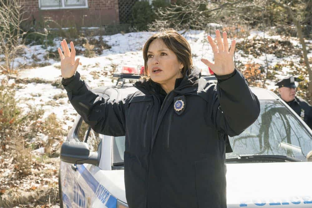 Law And Order SVU Episode 20 Season 19 The Book of Esther 03