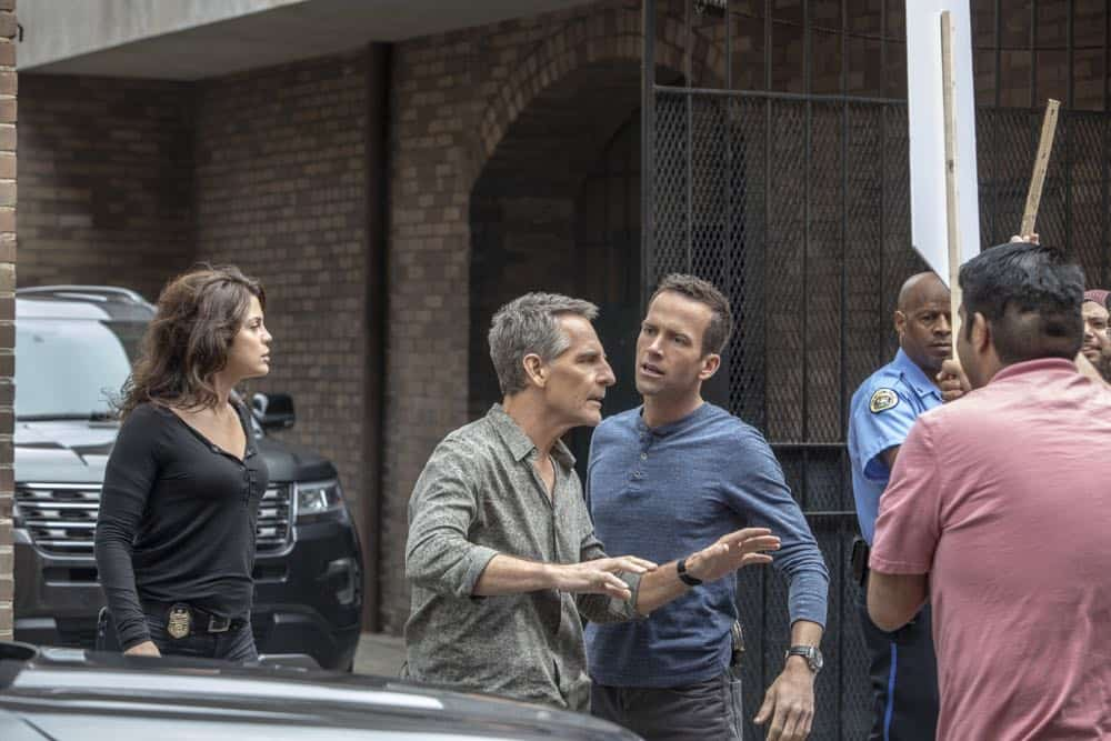 NCIS New Orleans Episode 22 Season 4 The Assassination of Dwayne Pride 09
