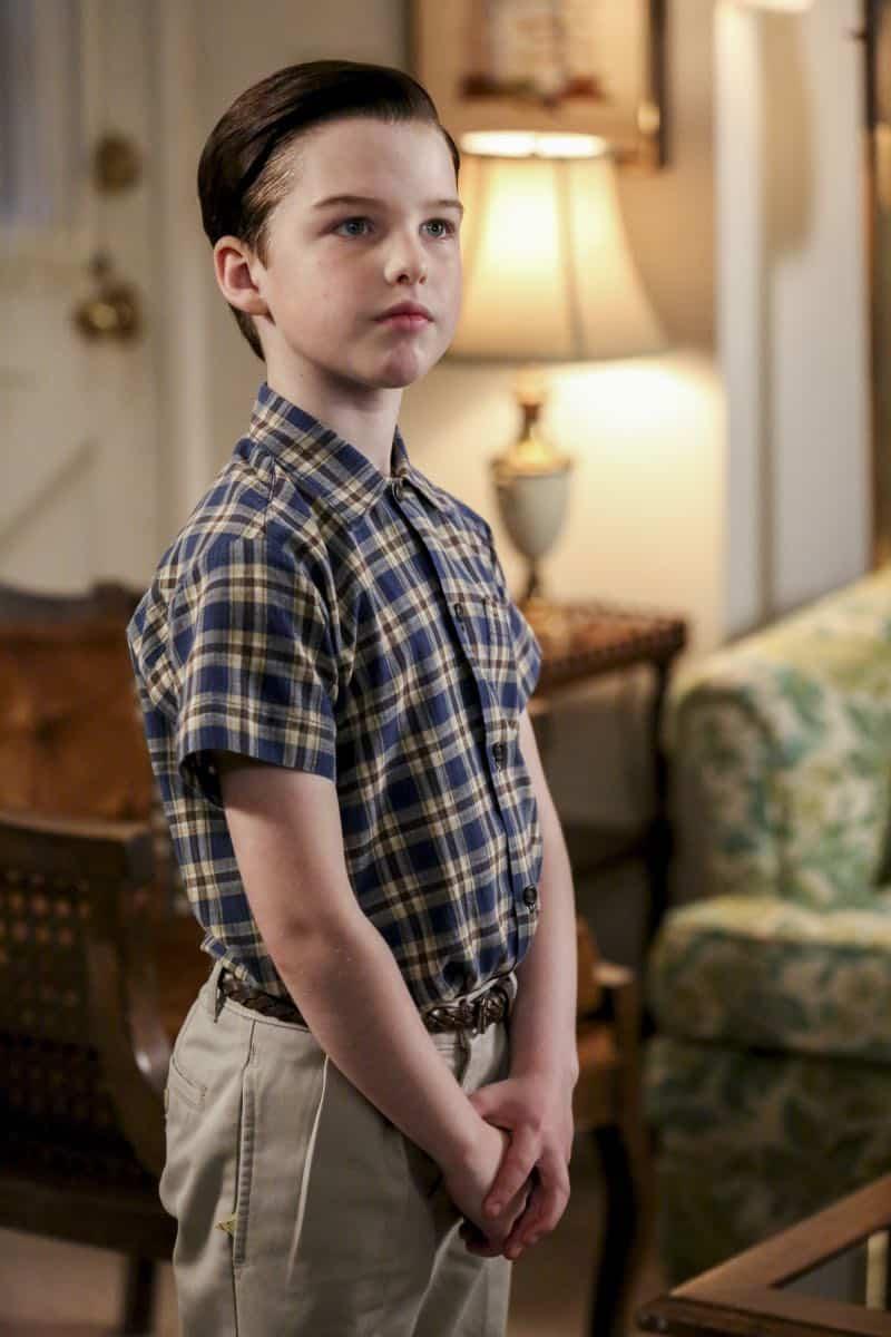 Young Sheldon Episode 21 Season 1 Summer Sausage Pocket Poncho Tony Danza 08