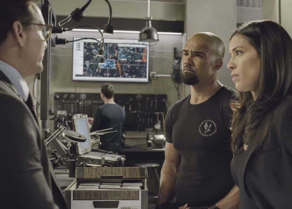 SWAT Episode 20 Season 1 Vendetta 15