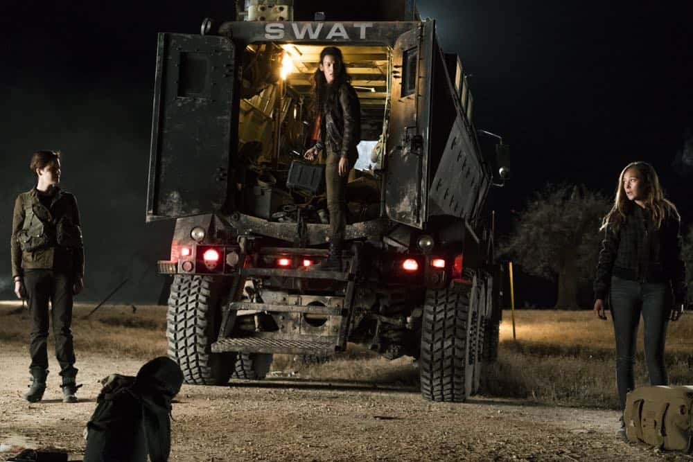 Fear The Walking Dead Episode 4 Season 4 Buried 17