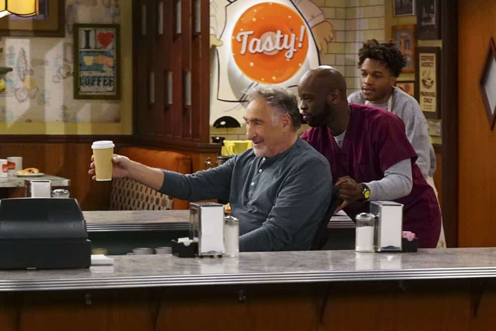 Superior Donuts Episode 20 Season 2 Broken Art 09