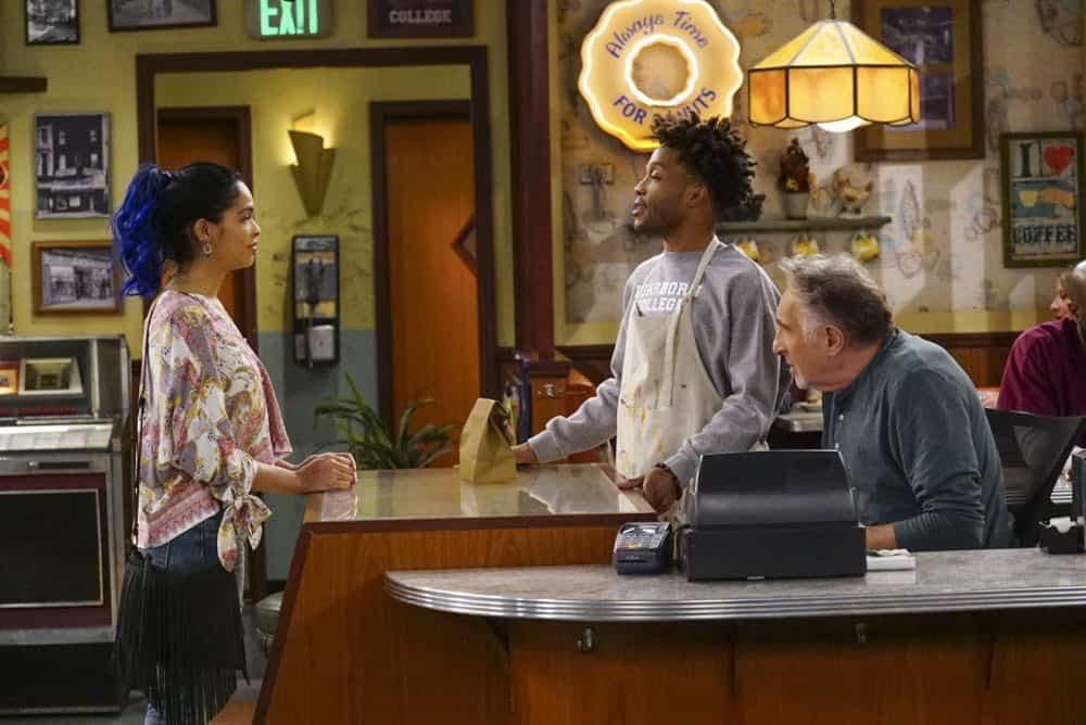Superior Donuts Episode 20 Season 2 Broken Art 11