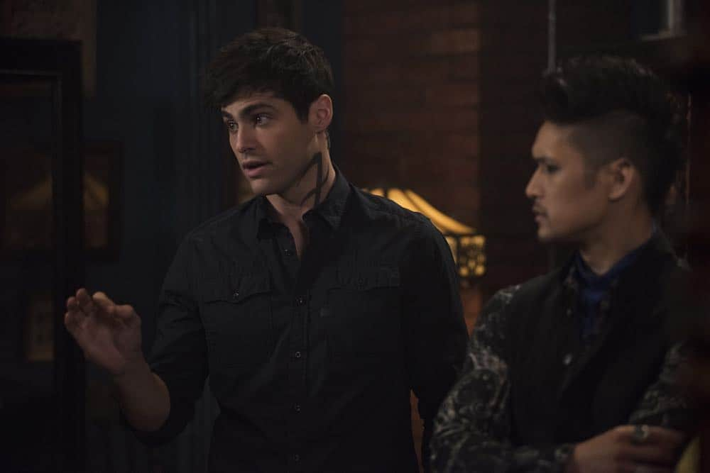Shadowhunters Episode 8 Season 3 A Heart Of Darkness 17