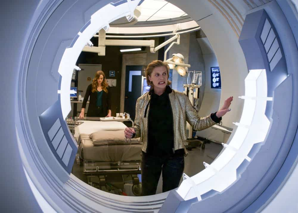 The Flash Episode 21 Season 4 Harry And The Harrisons 06