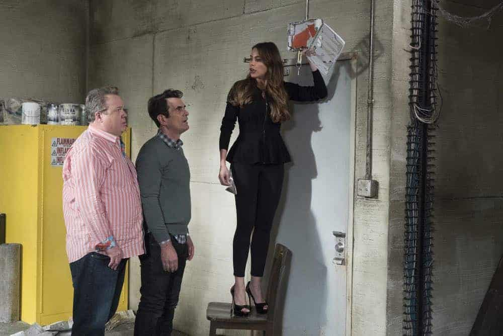 Modern Family 21 Season 9 The Escape 11