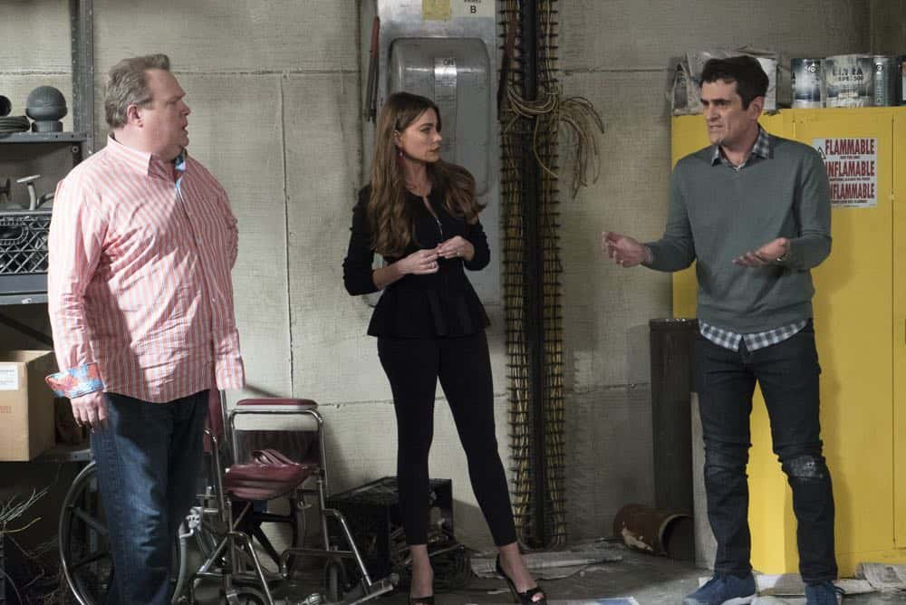 Modern Family 21 Season 9 The Escape 12
