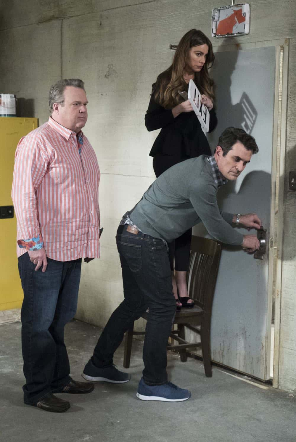 Modern Family 21 Season 9 The Escape 14