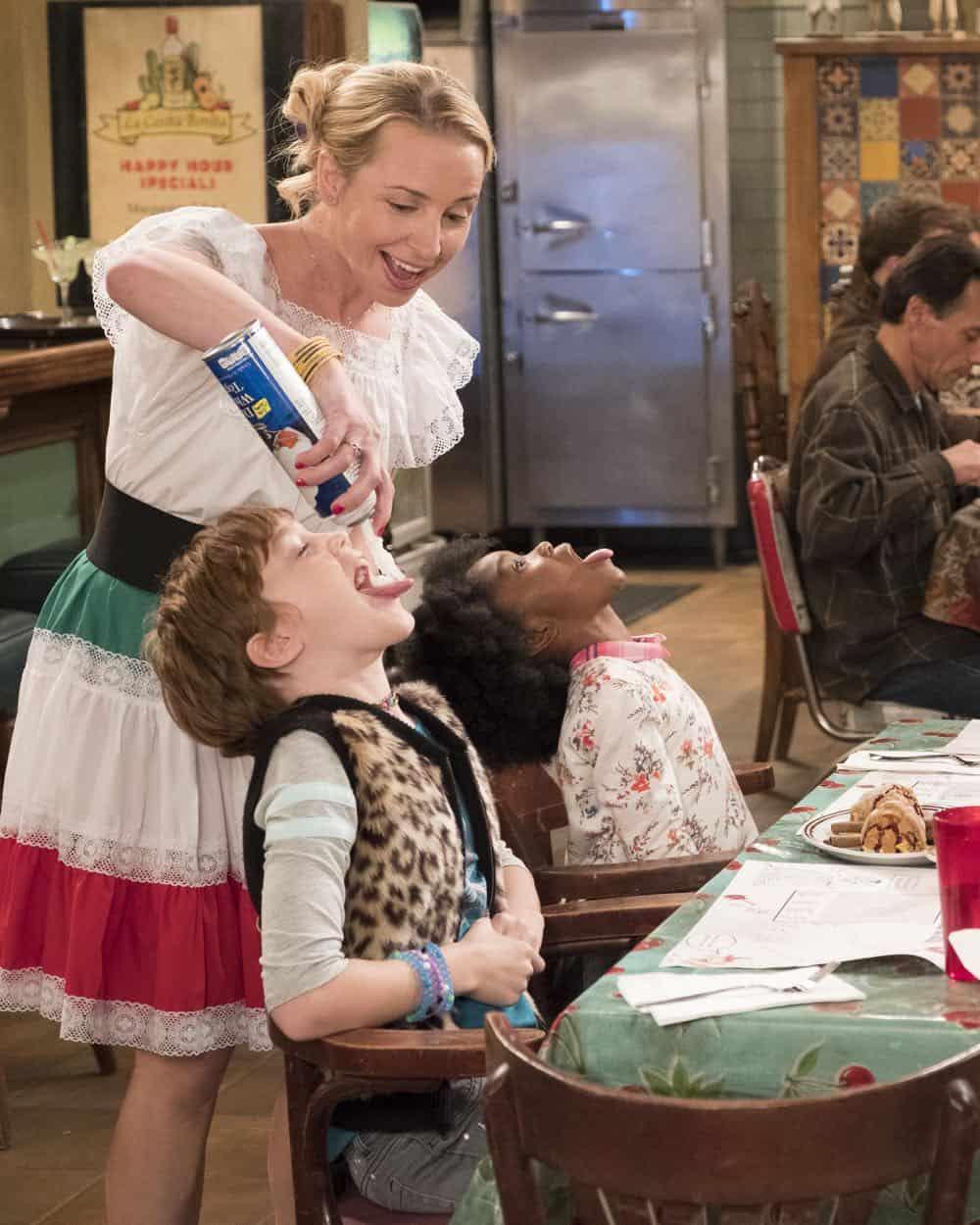 Roseanne Episode 8 Season 10 Netflix and Pill 36