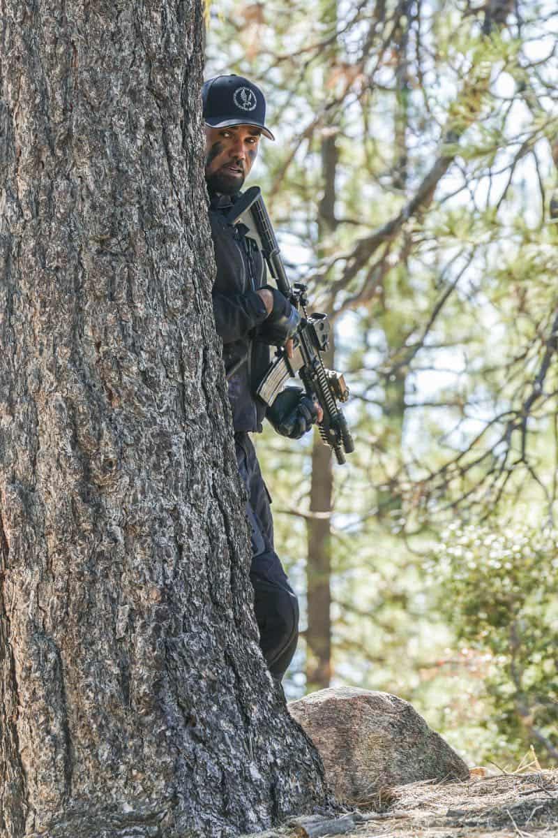 SWAT Episode 21 Season 1 Hunted 4