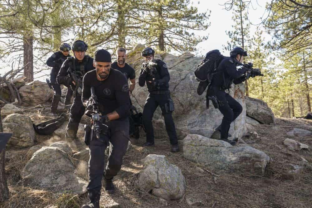 SWAT Episode 21 Season 1 Hunted 8