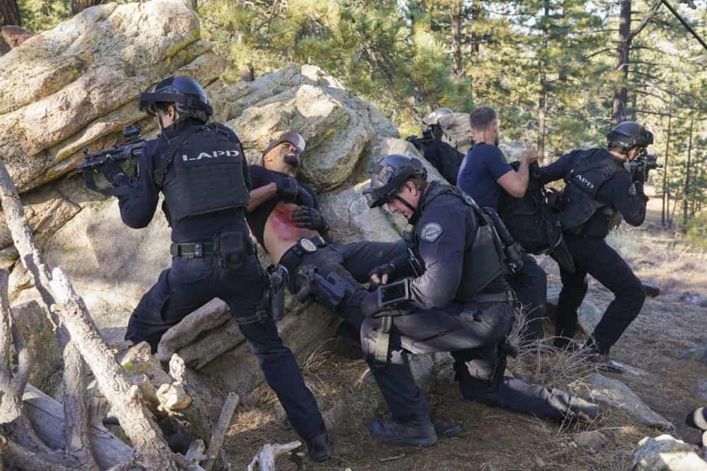 SWAT Episode 21 Season 1 Hunted 9