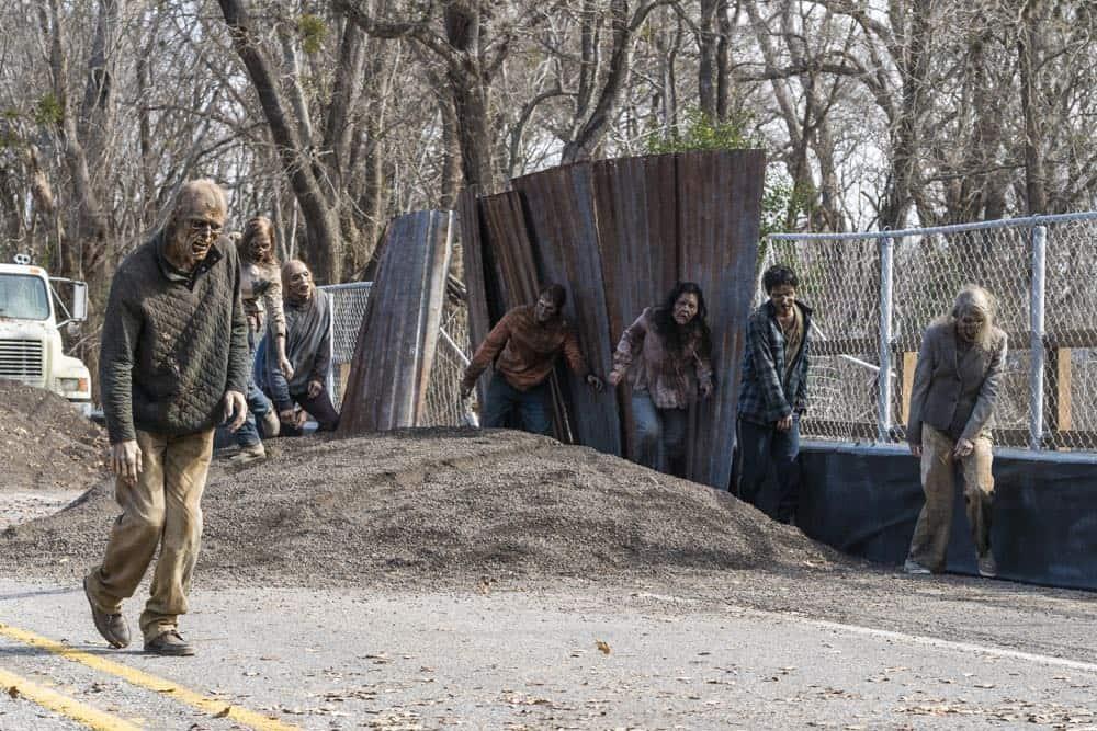 Fear The Walking Dead Episode 5 Season 4 Laura 07