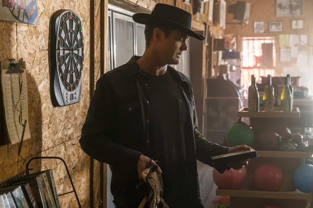 Fear The Walking Dead Episode 5 Season 4 Laura 05